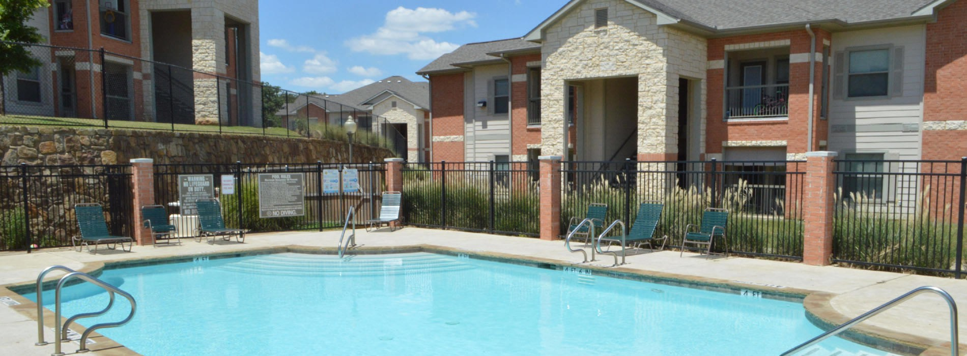 Mill Stone Apartments | Fort Worth, TX | (817) 261 4000
